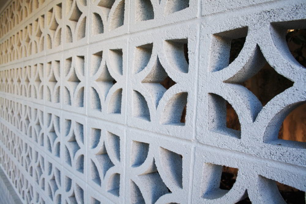 Outdoor feature wall