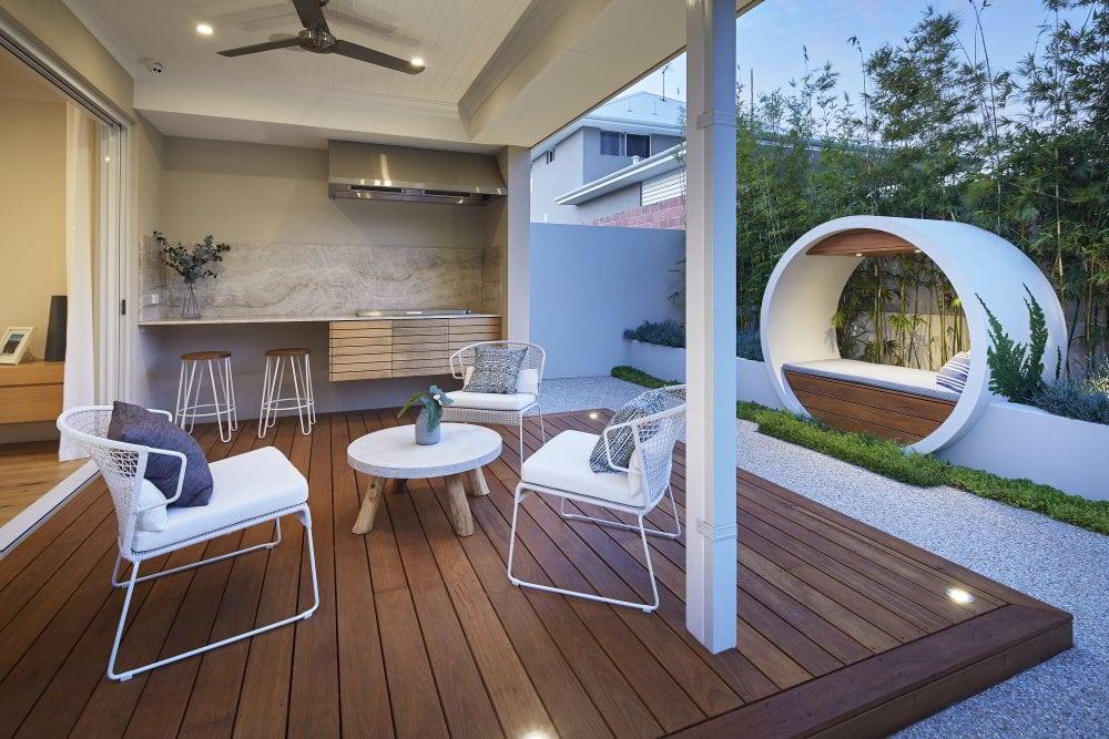 Outdoor Alfresco area with custom built seating